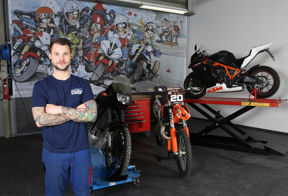 Christian Schrenk, Motorrad-Experte bei Kfz Strasser